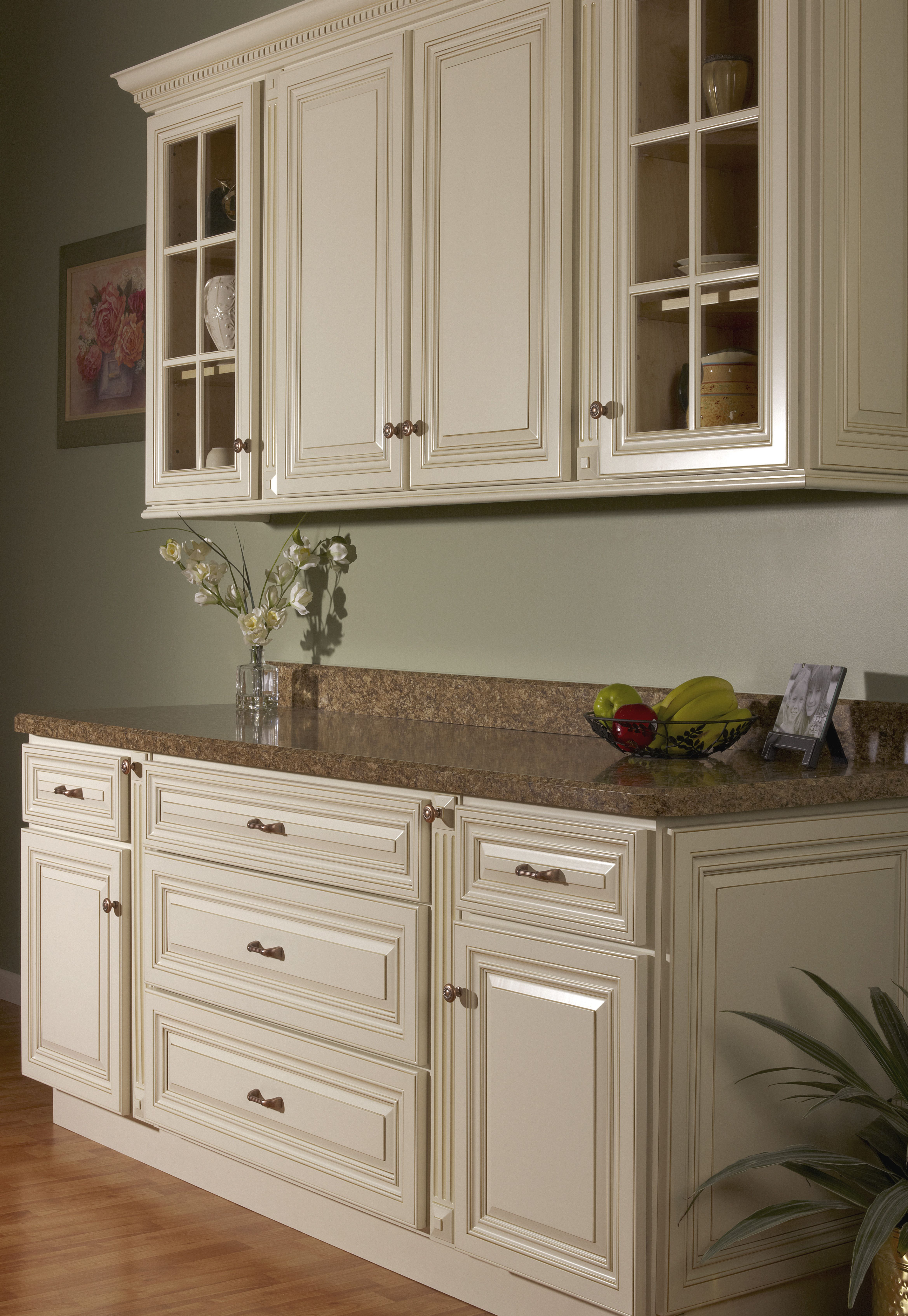 Vanilla Bean Glaze Kitchen Cabinetry Sold At Innovations Kitchen Remodel Small New Kitchen Cabinets Antique Kitchen Cabinets