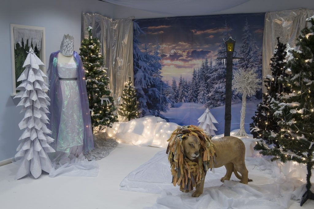 How To Create A Frozen Narnia Themed Immersive Environment