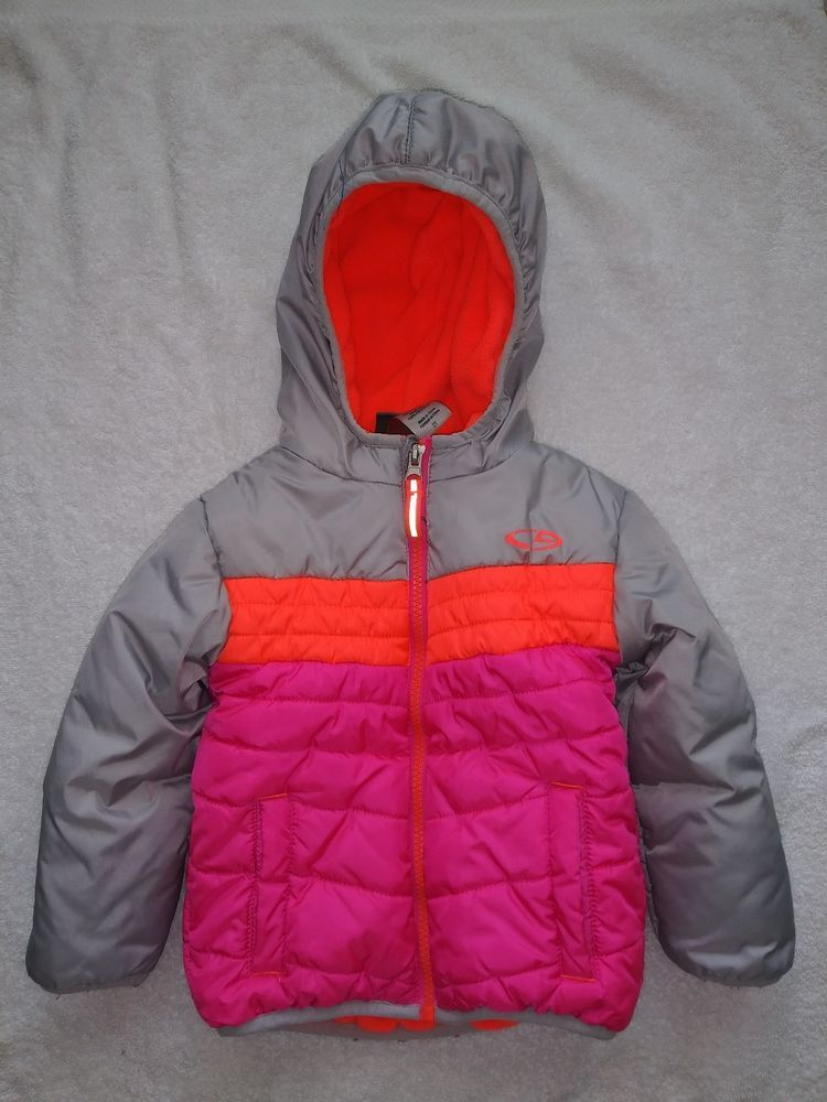 a1bdb33cc8eb Girls jacket in size 5T in 2018