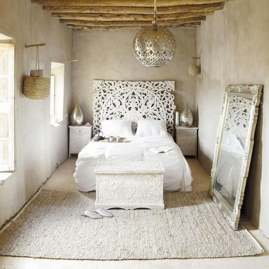 Clasic White Bedroom With White Bed And Also With Gold Hanging
