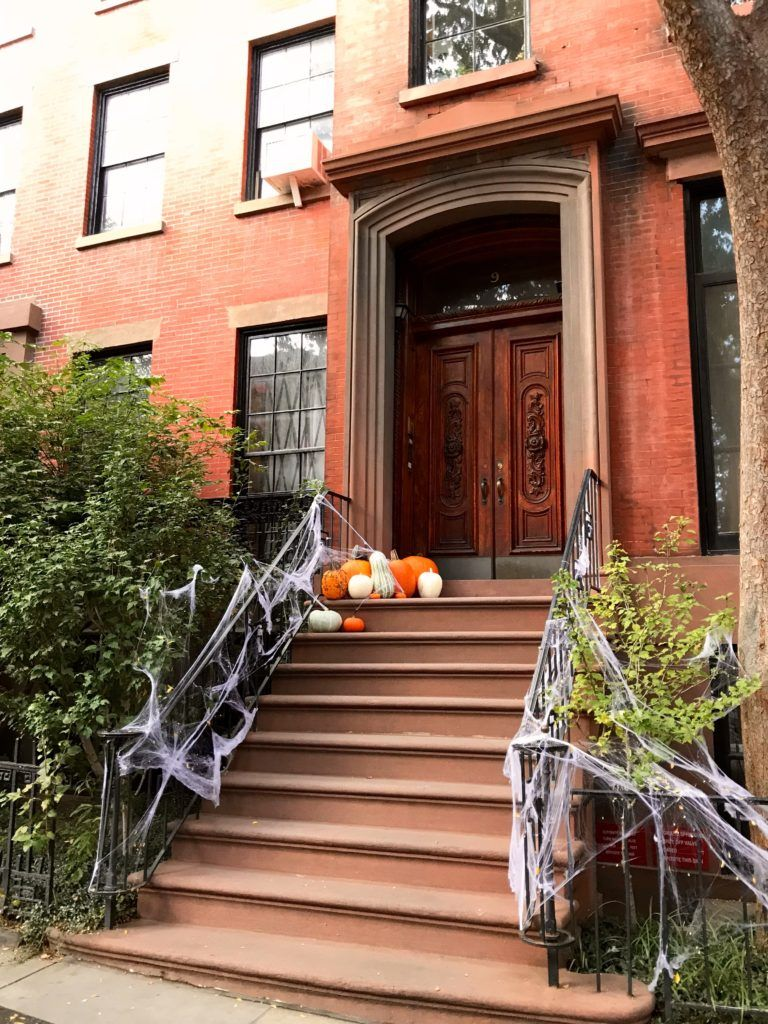 Habitually Chic® » Autumn Doors and Decorations Halloween - halloween house decoration