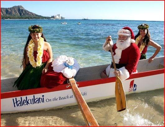 Christmas - Hawaiian Style - Santa comes to Hawaii by boat Hawaii