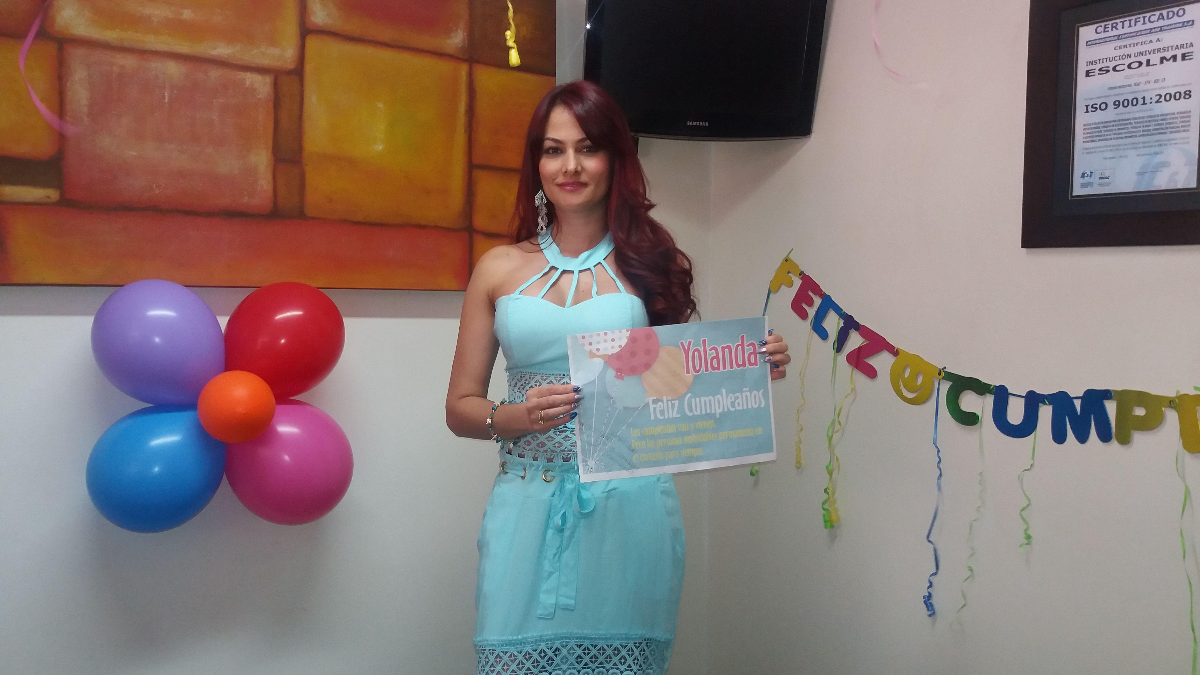 ESCOLME le desea un Feliz Cumpleaños a nuestra recepcionista Yolanda Gómez ¡Felicitaciones en su día!