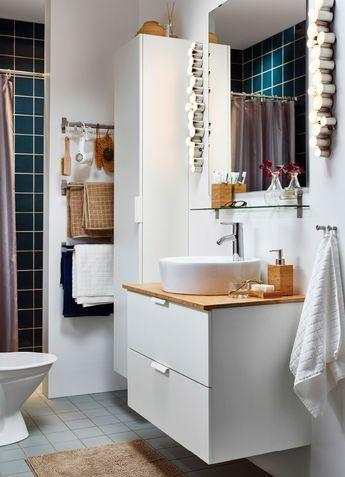Ein kleines weißes Badezimmer mit GODMORGON\/ALDERN - inspirationen schwarz weises bad design