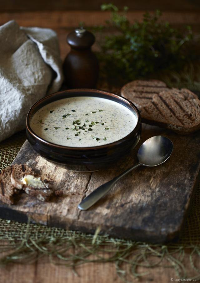 Creamy Zucchini & Mushroom Soup with Fresh Thyme