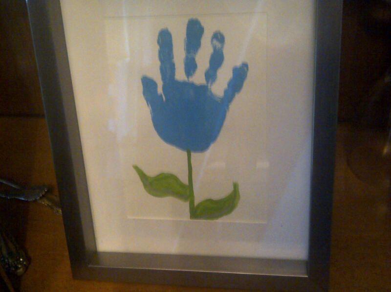 handprint flower....was SO easy!