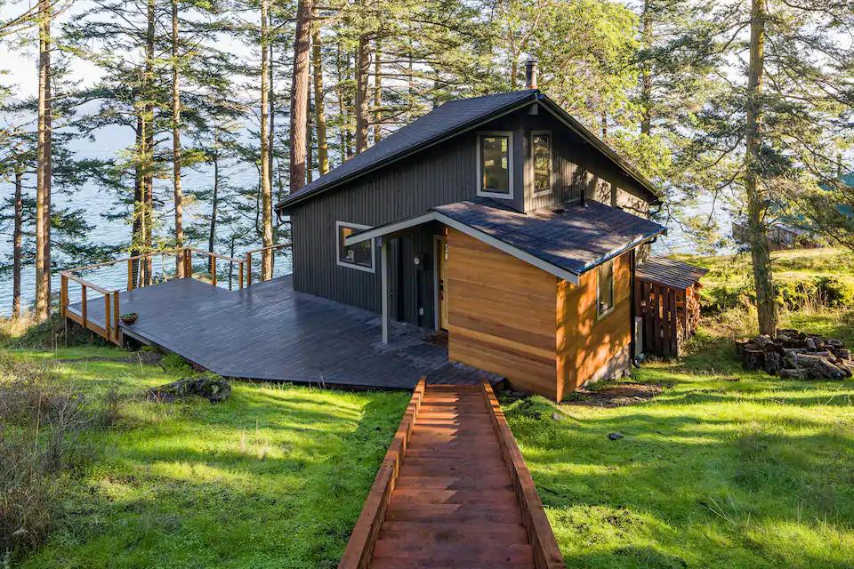 Sunrise Waterfront Retreat Cabins For Rent In Lopez Island Washington United States Cabin Lopez Island Retreat