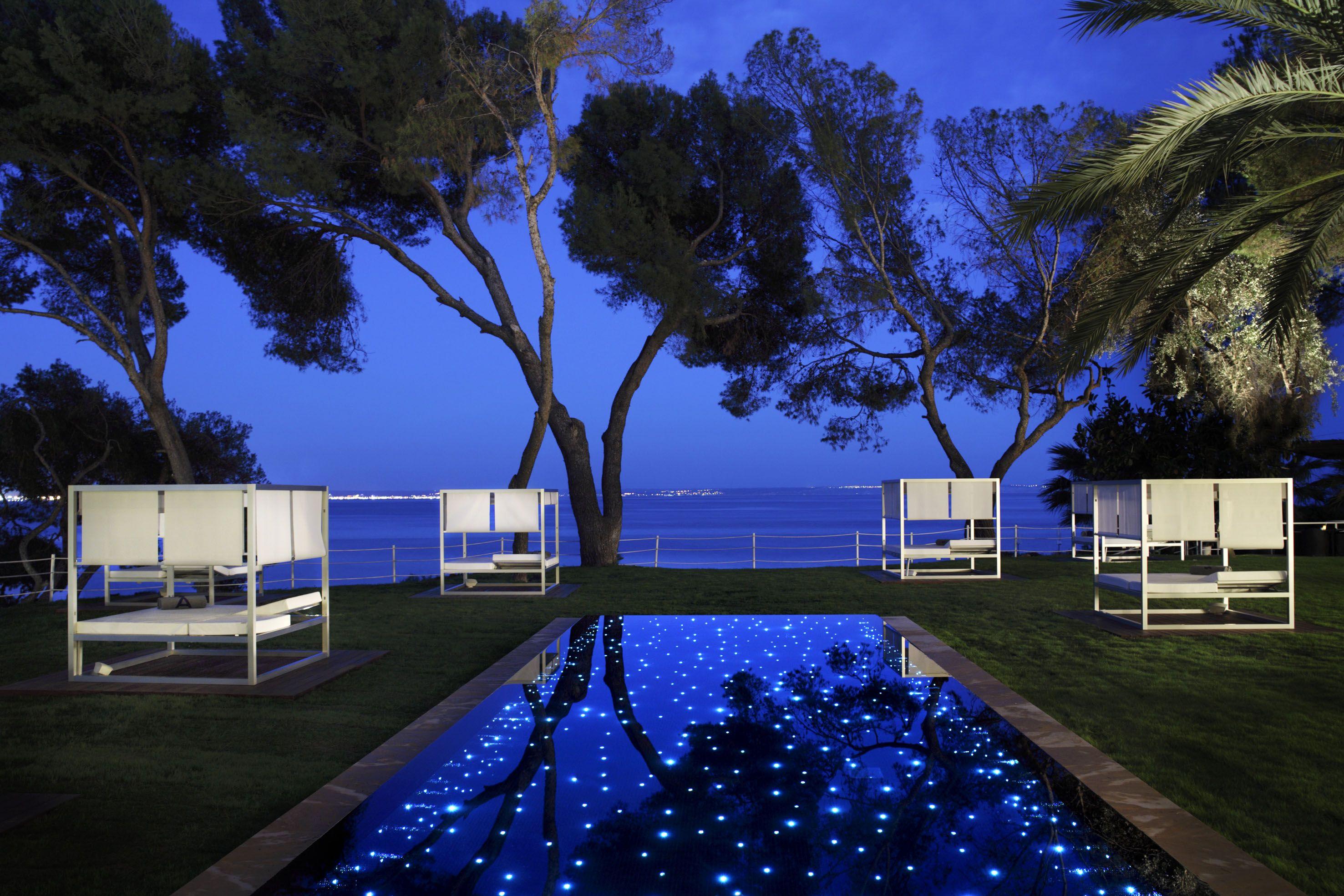 Una Sesion De Spa A Media Noche En La Playa Con El Melia De Mar En Illetas Palma De Mallorca Adultsonly Hoteles De Lujo Hoteles Hoteles De Playa
