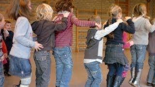 Ver leren SPRINGEN voor peuters, kleuters - Met liedje! @buzzmyvideos #peuters #kleuters #bewegen