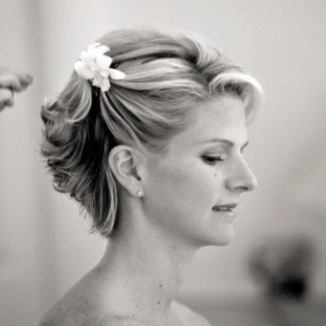 Short Hairstyles For Wedding Bridesmaid: Mother-of-the-Bride Hair For Short Updos. Perhaps With A