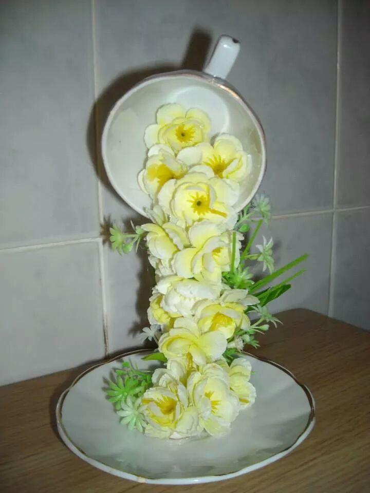 Cascada De Flores Tazas Flotantes Floating Cup