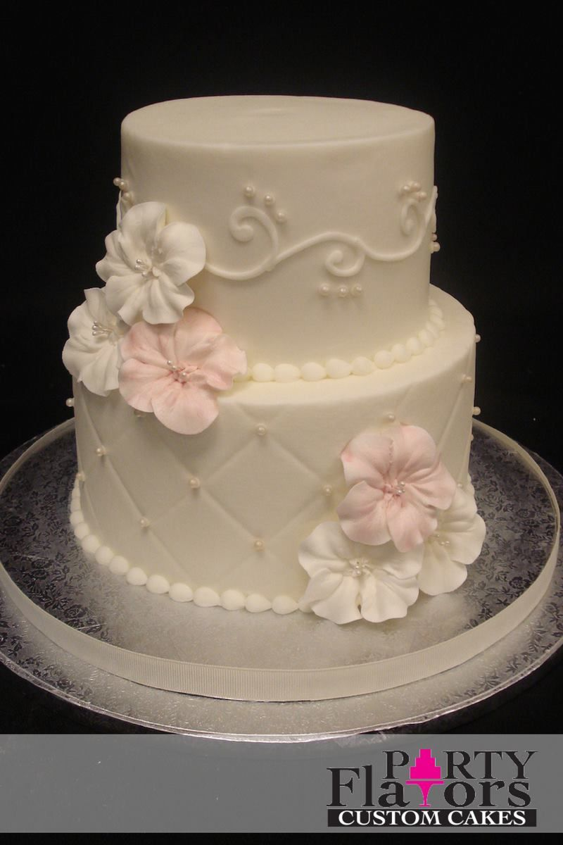 Some Of The Best Things Come In Small Packages This Petite Wedding Cake Is So