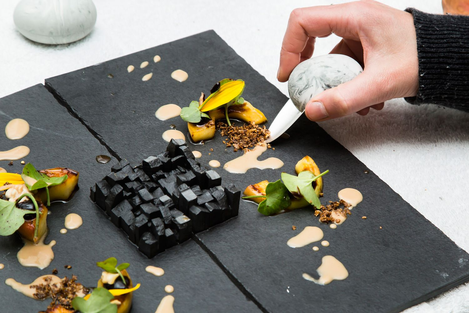 Steinbeisser Food Event, Edwin Vinke & De Kromme in Amsterdam | Yellowtrace - I'd feel so silly eating this.