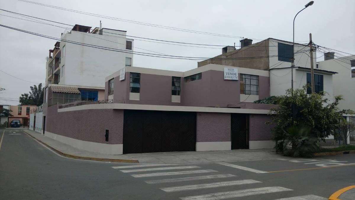 Casa en Esquina Frente a Parque Vista Alegre Surco