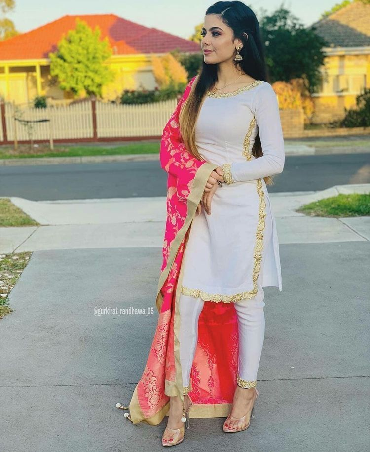 12d265f8 Pinterest: @pawank90 | Pajami Suit in 2019 | Punjabi salwar suits ...