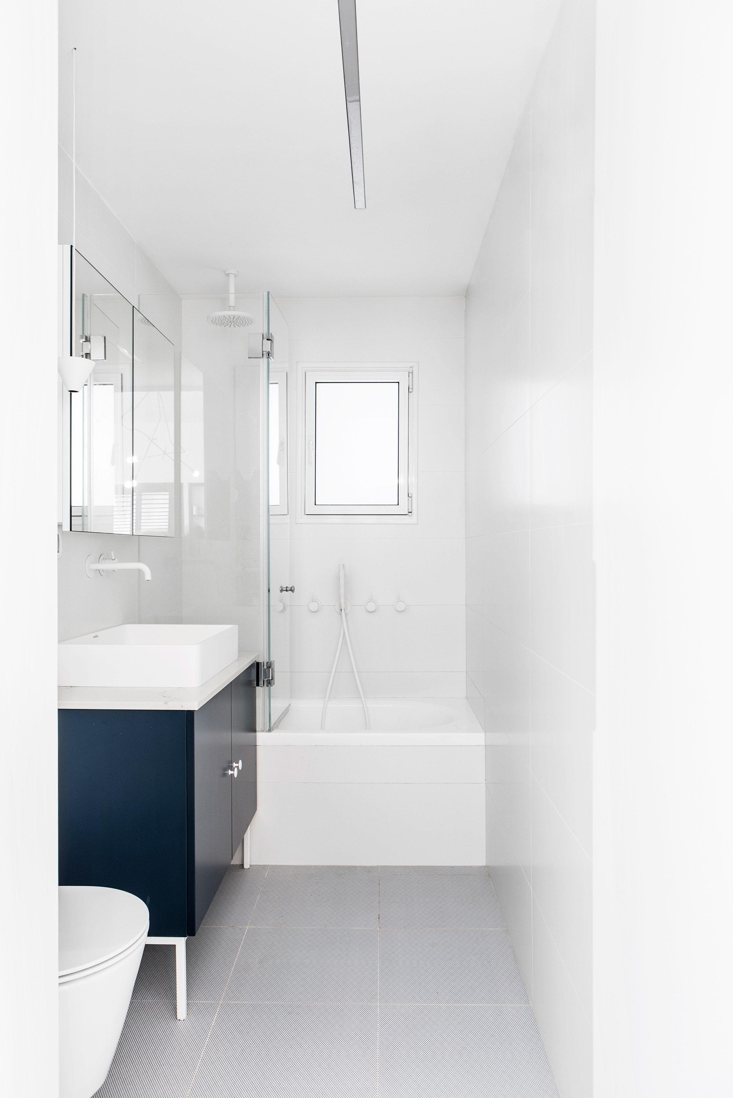 Maayan Zusman designs interior in a Tel Aviv microhome   Bathroom ...