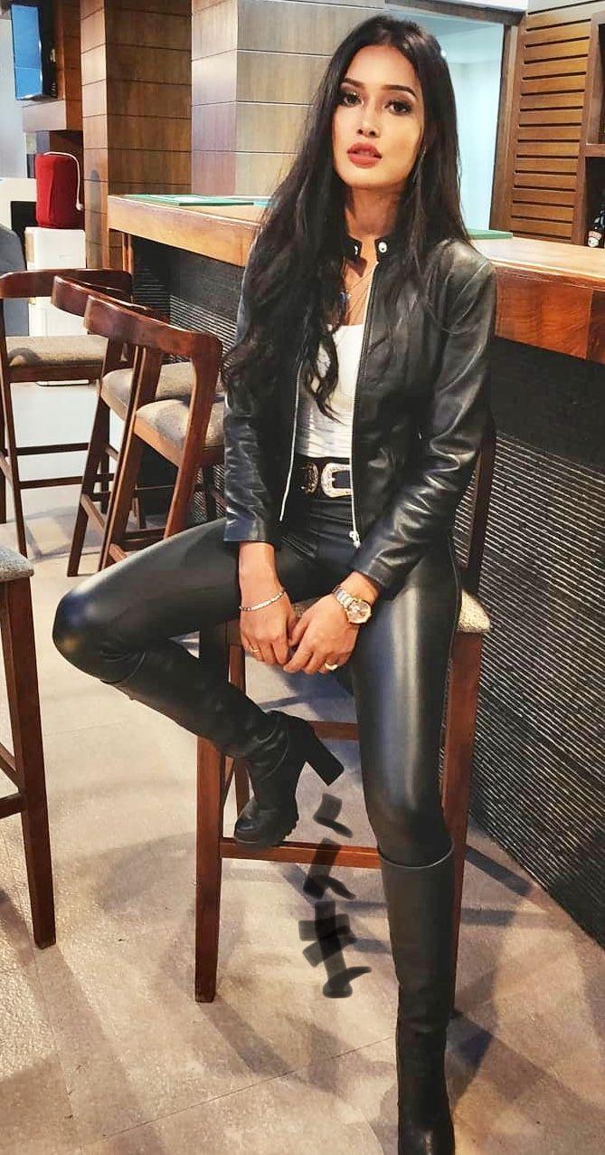 Pin Von Yannick Badeda Auf Lack Leder Outfits Leder Outfits