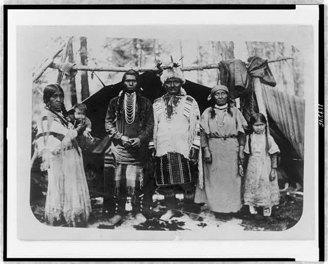 1902 Portraits of Native Americans, Warm Springs Reservation, Oregon Indian Joe and family