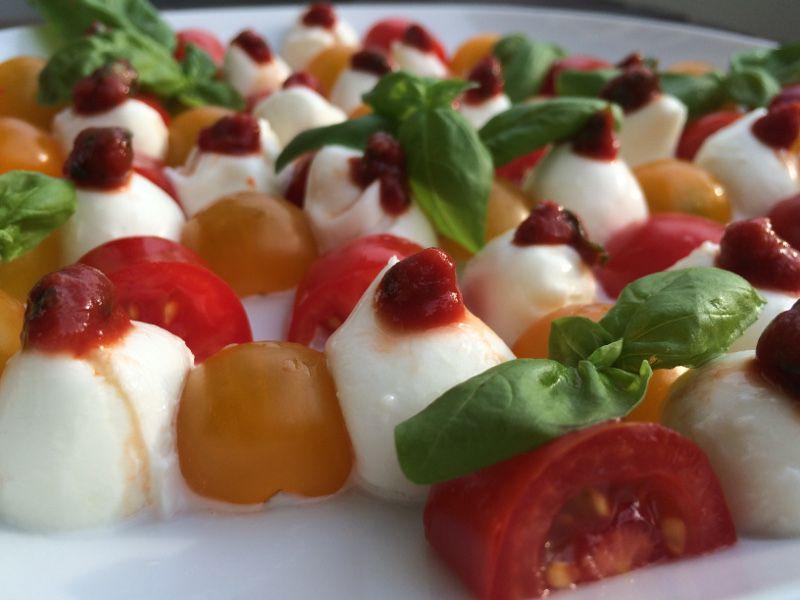 Tomatensalat mit Büffelmozzarella - Gib mir vier
