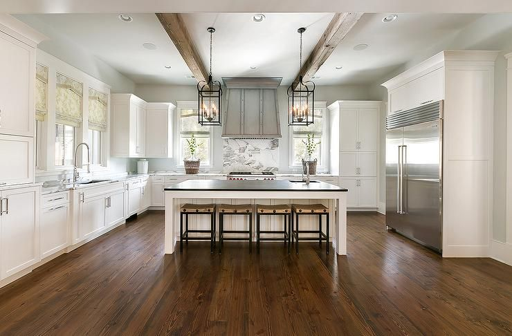 Best A Remarkable White U Shape Kitchen Keeps A Simple White 400 x 300