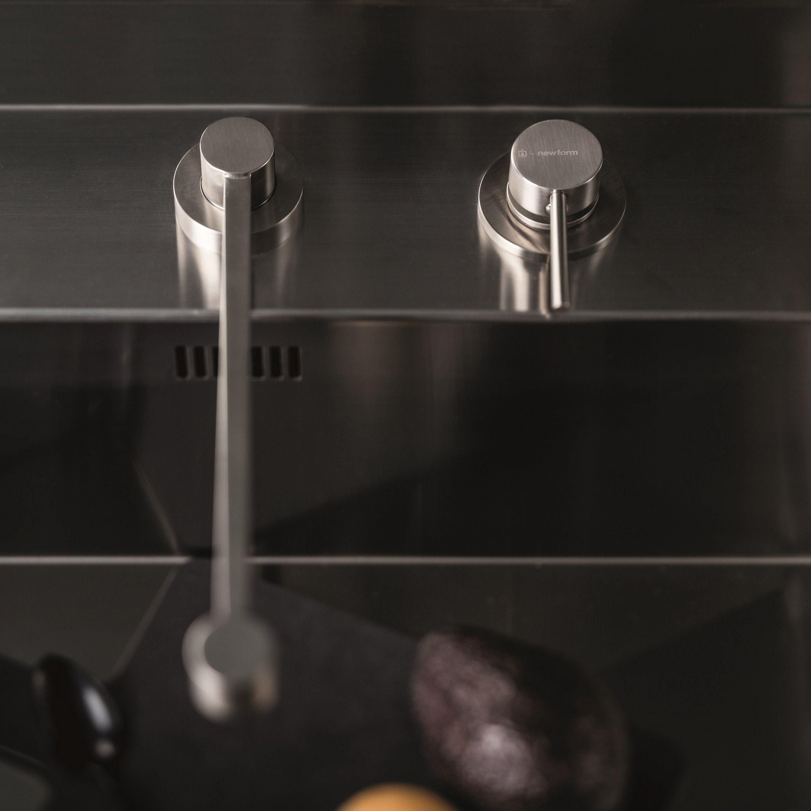 X-TREND #KITCHEN Miscelatore da cucina a due fori by #NEWFORM ...
