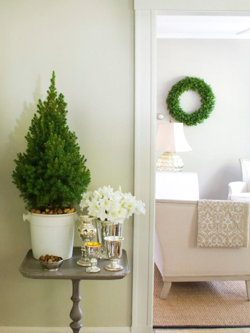 Hallway Decorations For Christmas For Your Inspiration Design Ideas ...