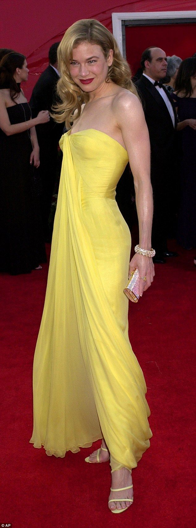 The Most Iconic Red Carpet Looks Of All Time Cheap Yellow Dresses Red Carpet Yellow Dress Yellow Dress Casual [ 1703 x 634 Pixel ]
