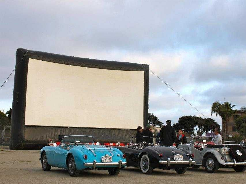 15 Cool Drive In Theaters Where You Can Watch A Movie Retro Style