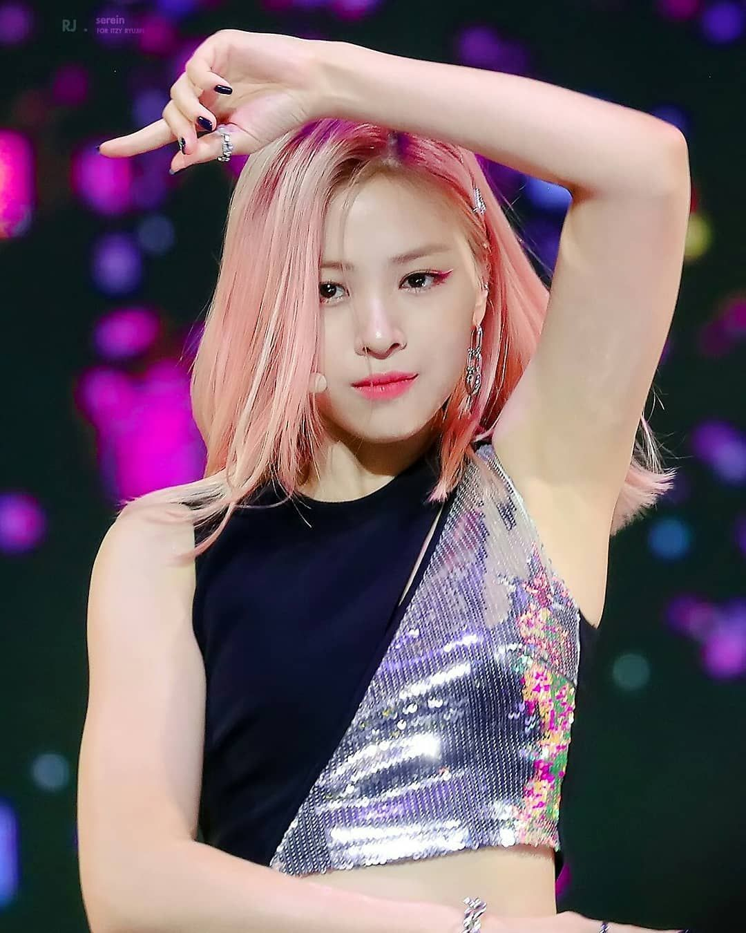 190801 Ryujin At M2 X Genie Music Awards 2019 Uwuu Her Armpits Is Brighter Than My Day Swipe For More Pics You Wont Regret Itzy Kpop Girls Girl