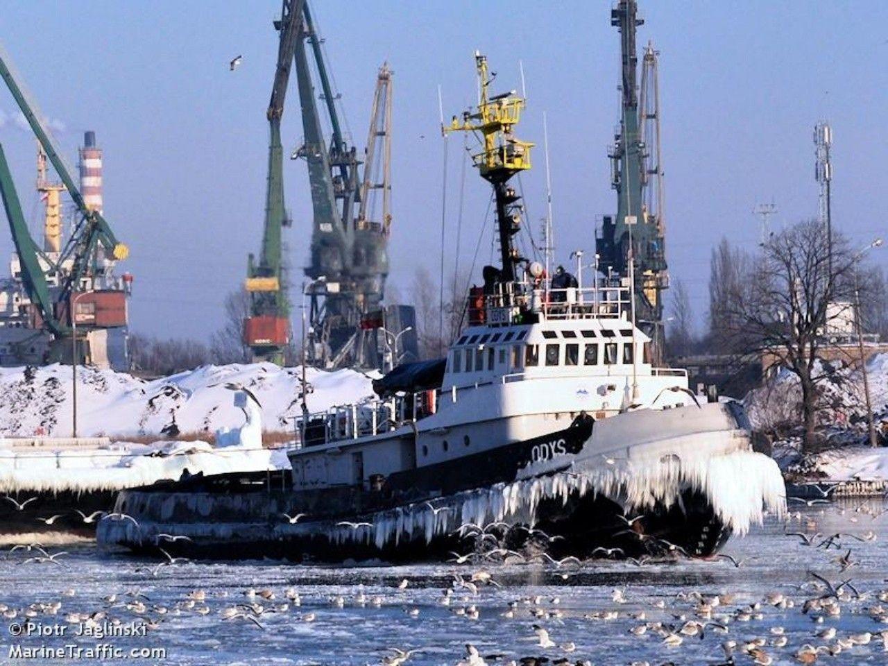 Wintertime captklauskae offshore boats tug boats boat