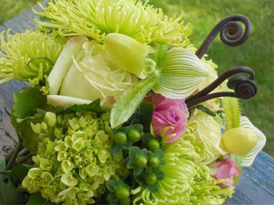 Fiddleheads Cape Elizabeth Maine Flower Design By Lauren Just Perfect Maine Wedding Flowers Chic Gifts Flowers