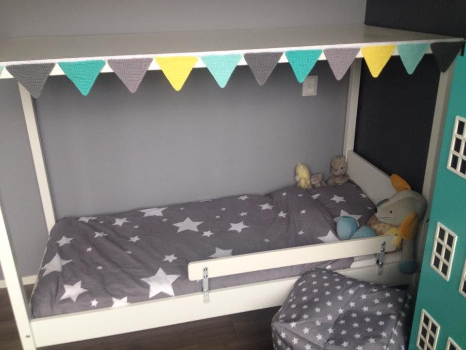 Ikea Bed Gepimpt Met Sterrenhemel En Vlaggetjes