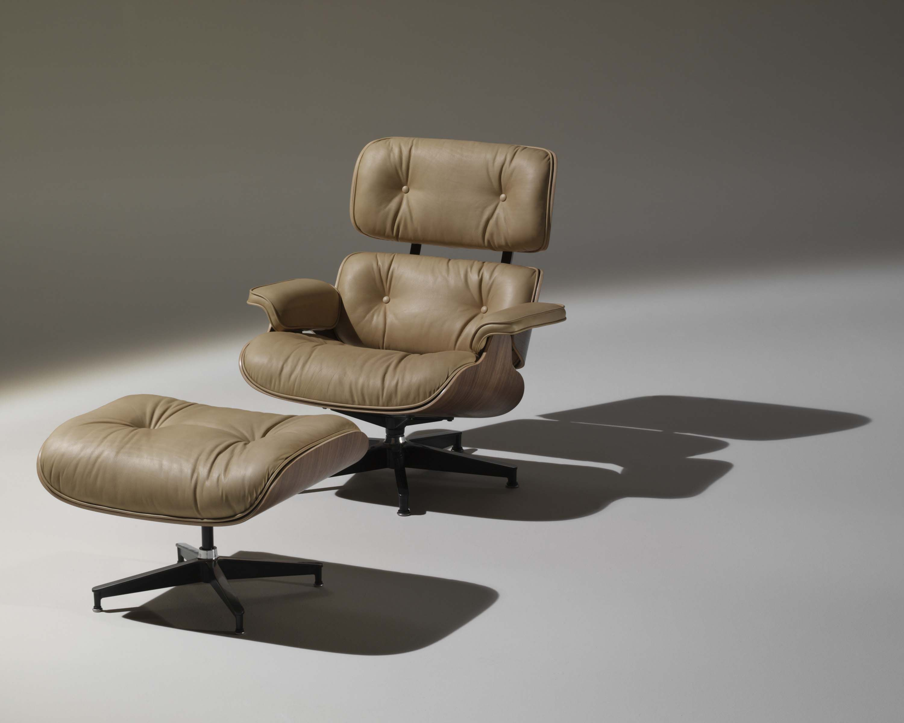 Lovely Alternative Leather Upholstery For An Authentic Eames Lounge Chair  And Ottoman By @hermanmiller #eames #eameschair