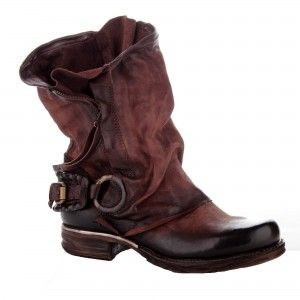 Airstep boots - check em out, they're all like a cosplayers dream! #steampunk #dystopia