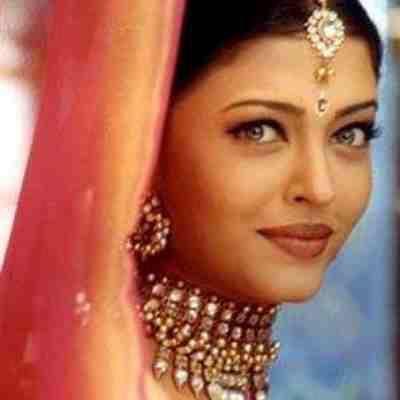 Aishwarya Rai Bachchan (With images) | Bollywood ...