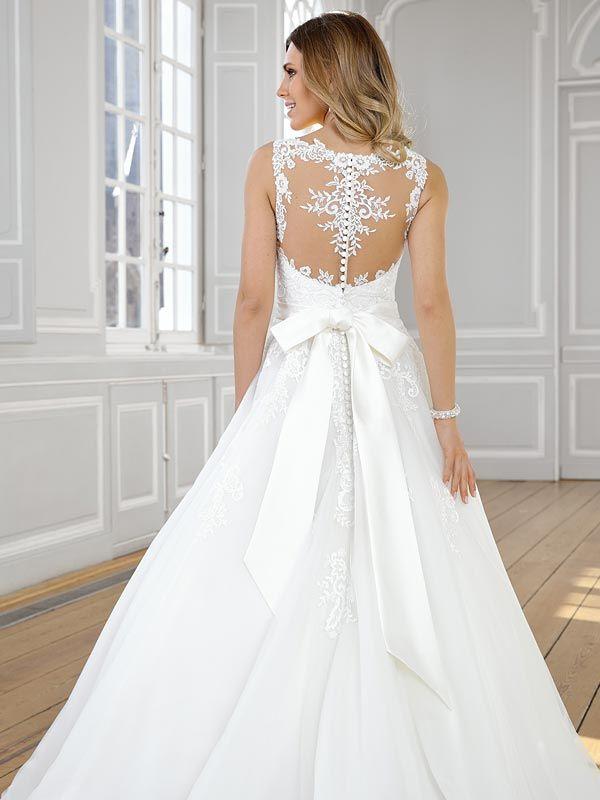 Traumhaftes Brautkleid mit Tattoo-Spitze und fließendem ...