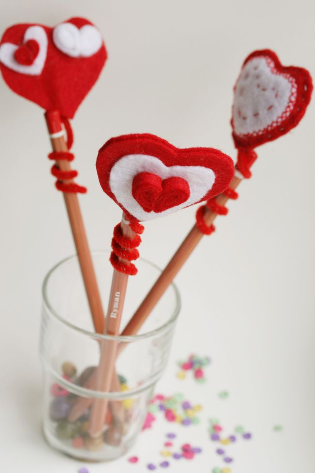 Kid Craft! DIY Felt heart pencil topper | The Crafty Kitty ...