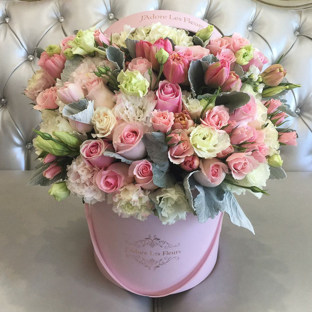 Mixed Flowers Signature Mix Collection Los Angeles In 2020 Beautiful Rose Flowers Same Day Flower Delivery Flower Delivery