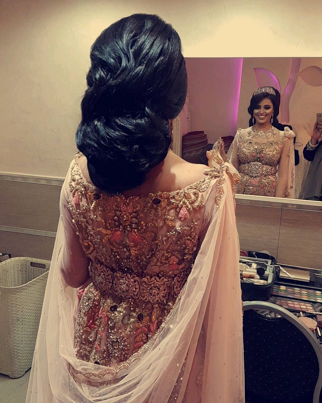 163 Mentions Jaime 5 Commentaires Beauty By Karima Jolie Clothing Aftan Dress Beautybykarima4 Sur Instagram Lovely Sahrawedding Bride Loved Her Beautiful Face And