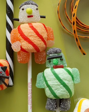 Monster Pops by marthastewart: Adorably gruesome! #Halloween #Monster_Pops #marthastewart