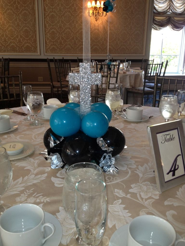 Add a glitter cross to your balloon base elegant