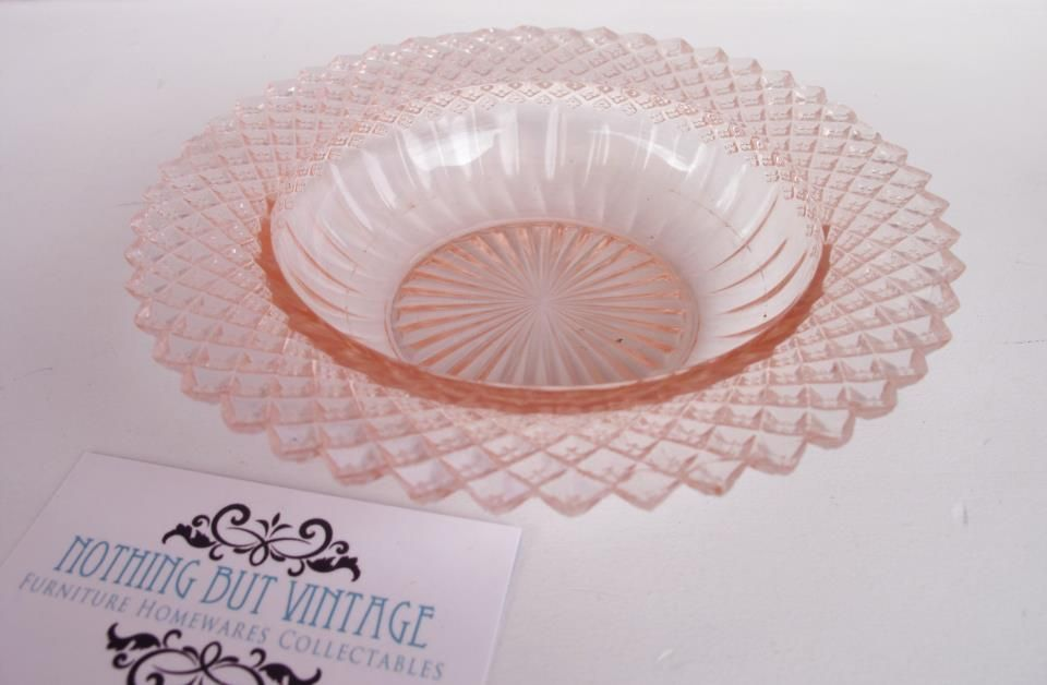 Anchor Hocking Miss America depression glass bowl, gorgeous design, c1930, would make a good trinket dish to store your necklaces or hairclips, measures 16 cm in diameter, excellent condition.