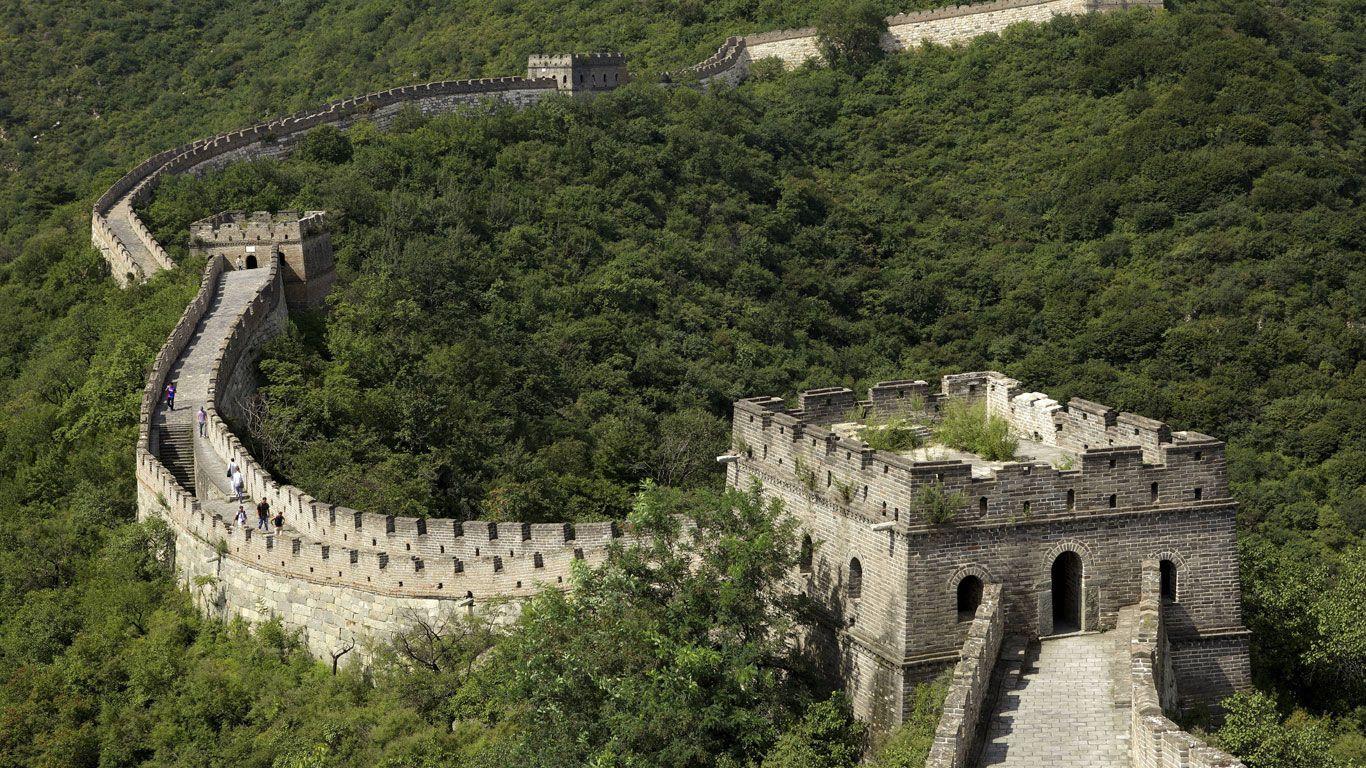 Im Heutigen China Ist Der Erste Kaiser Als Ein Grossenwahnsinniger Bautyrann Verrufen Schon Zu Beginn Seiner Regierungszeit Gab Er D China Kaiser Erster Kaiser