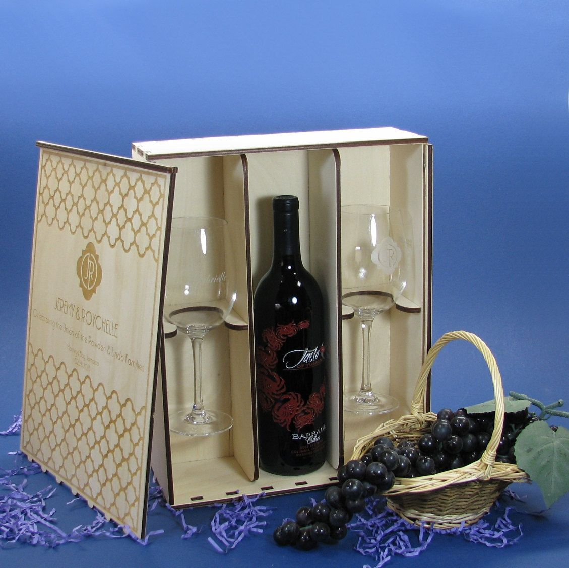 Personalized wood wine gift box with 2 personalized 16 oz for Timber wine box