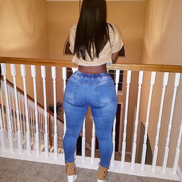 Ebony small waist big ass