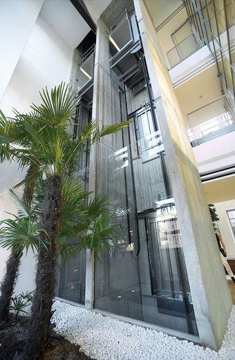 Cabina Glass