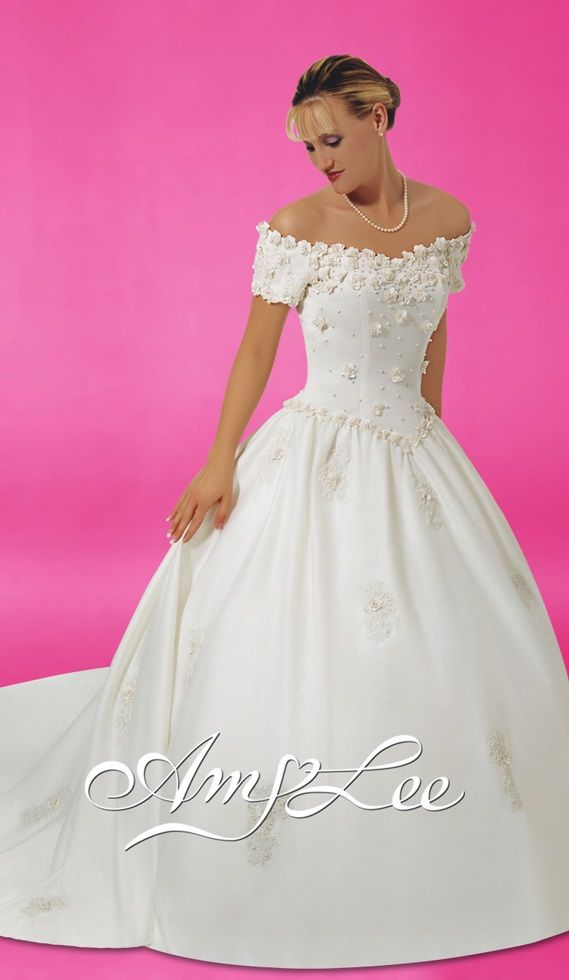 sweet princess wedding dress, from Amy Lee | Disney Princess Wedding ...
