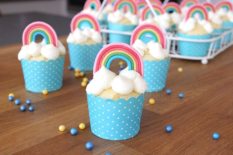 Sallys blog regenbogenmuffins muffins mit regenbogen for Regenbogen dekoration