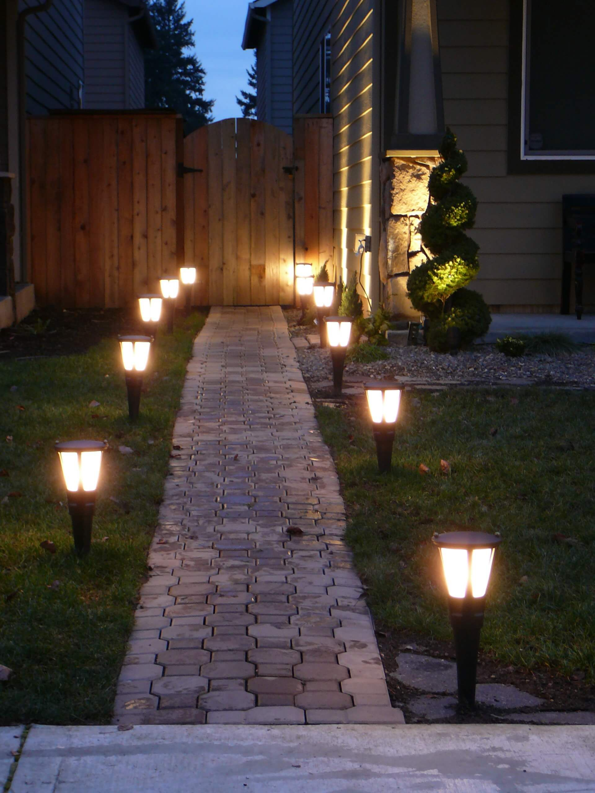 27 Pretty Backyard Lighting Ideas For Your Home Landscape
