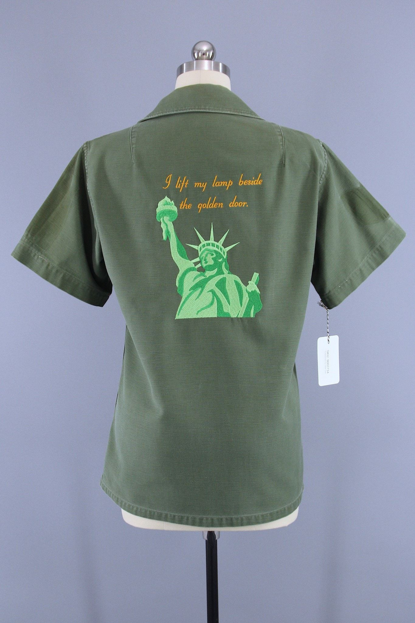 Vintage Statue Of Liberty Embroidered 70s Camo Shirt / I Lift My Lamp Beside  The Golden